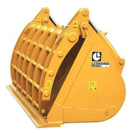 Bucket with reinforced retainer